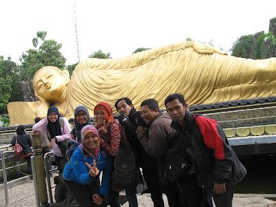 Patung Budha Tidur