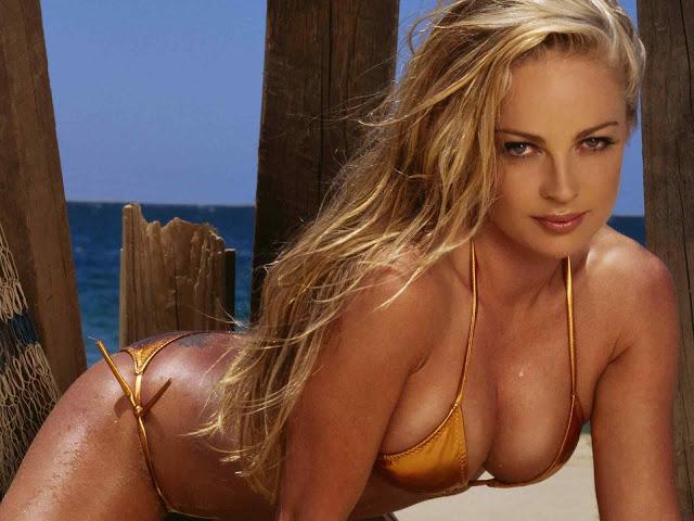 Imogen Bailey sexy in swimsuit