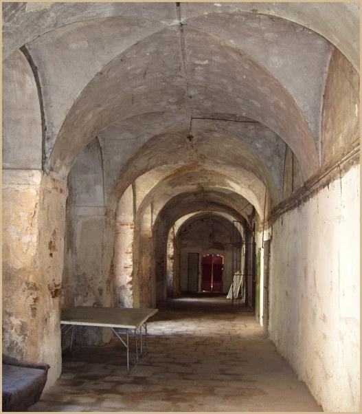 STRZEGOM dawny klasztor (użyteczność publiczna)
