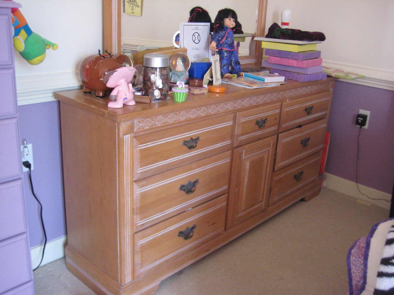 SheShe The Home Magician Unifying mismatched furniture