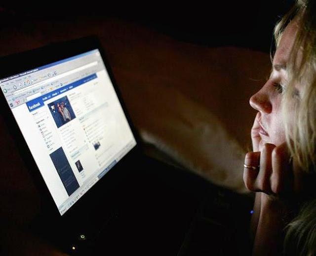 Tipe Cewek FB yang Harus Dihindari