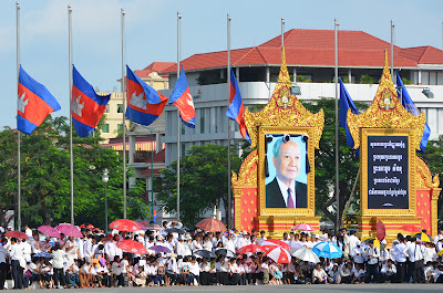 Return of body of King Norodom Sihanouk, crowd at Independence Monument, Phnom Penh, Cambodia
