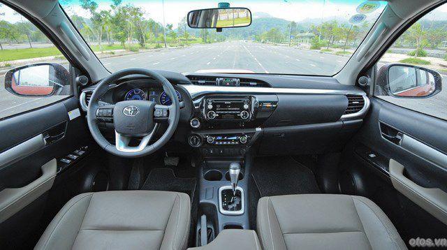 Toyota Hilux 3.0AT 2015 - xe bán tải mạnh mẽ và lịch lãm