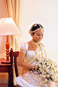 Sri Lankan Traditional Kandyan Saree Designs Bridal