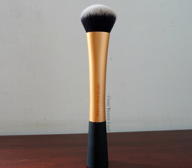 Real Techniques THE EXPERT FACE BRUSH in India Review Where to buy