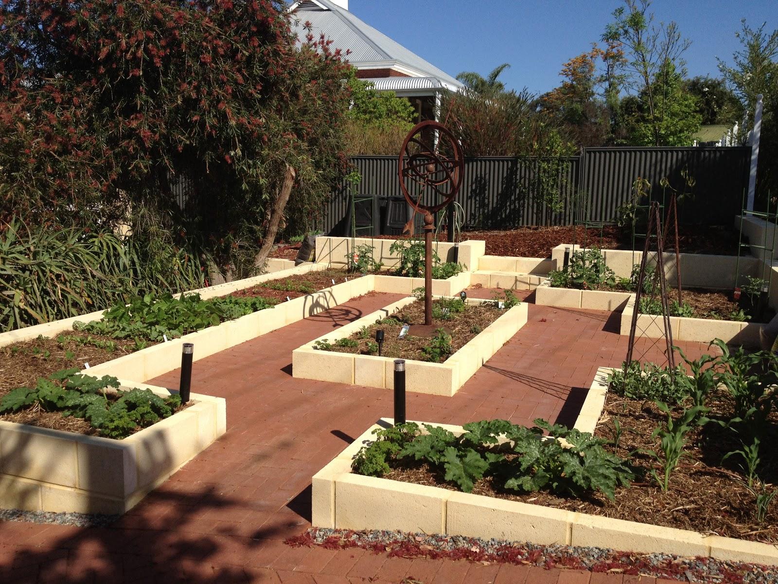 The Garden Beagle: October 2012
