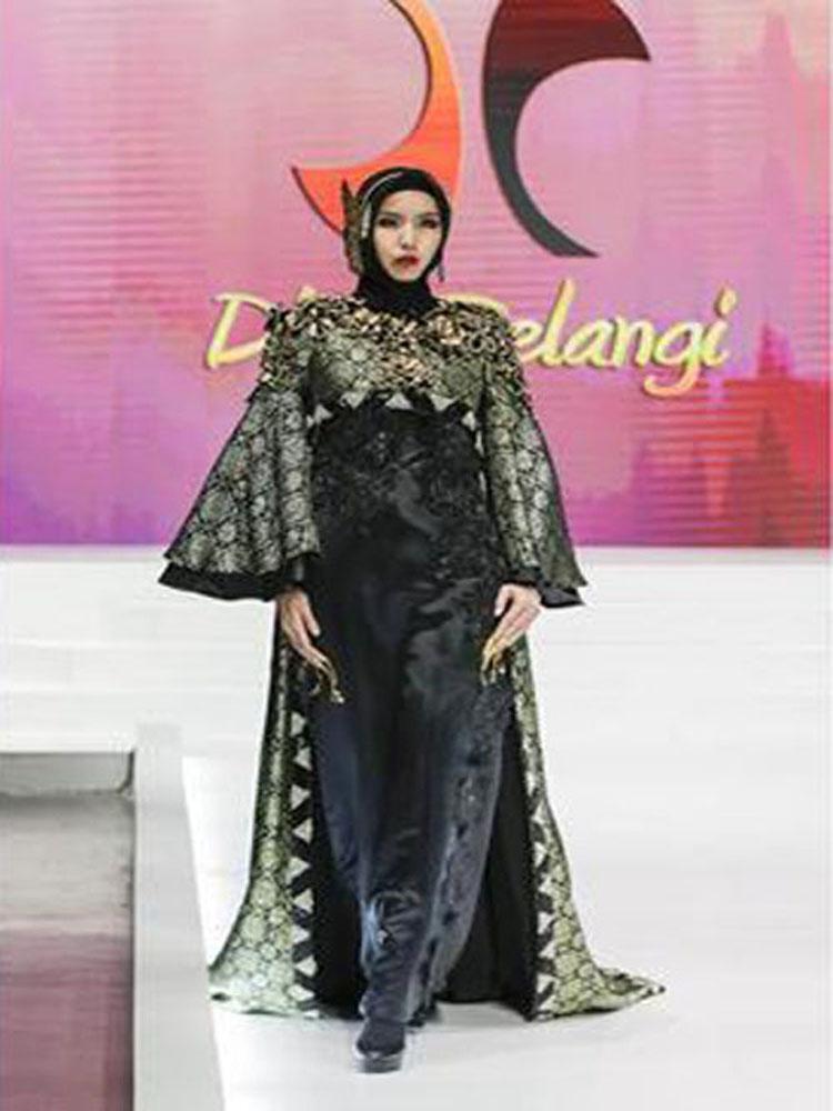 Busana Muslim Dian Pelangi Terbaik di Asia
