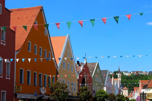 http://hello-barbara.blogspot.com/2015/06/kelheim-weltenburg.html