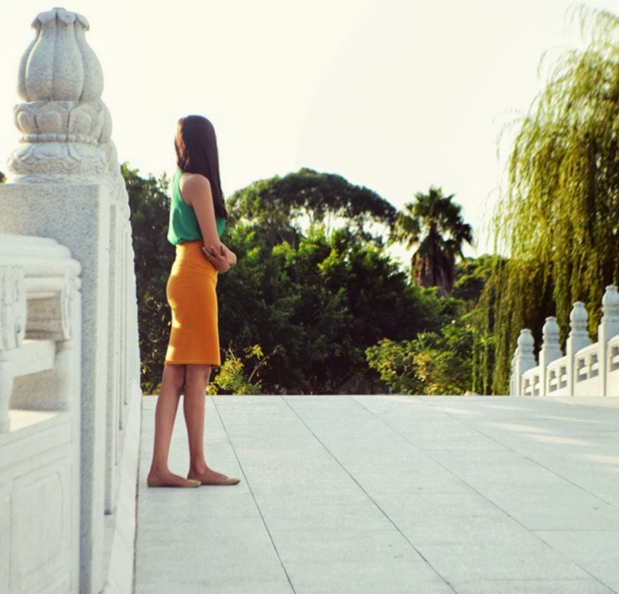white bridge, yellow pencil skirt, colourblocking, green top