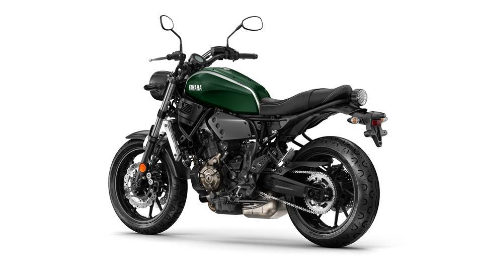 Mari berkenalan dengan Yamaha XSR700 si motor bergaya retro klasik dengan sentuhan modern . .