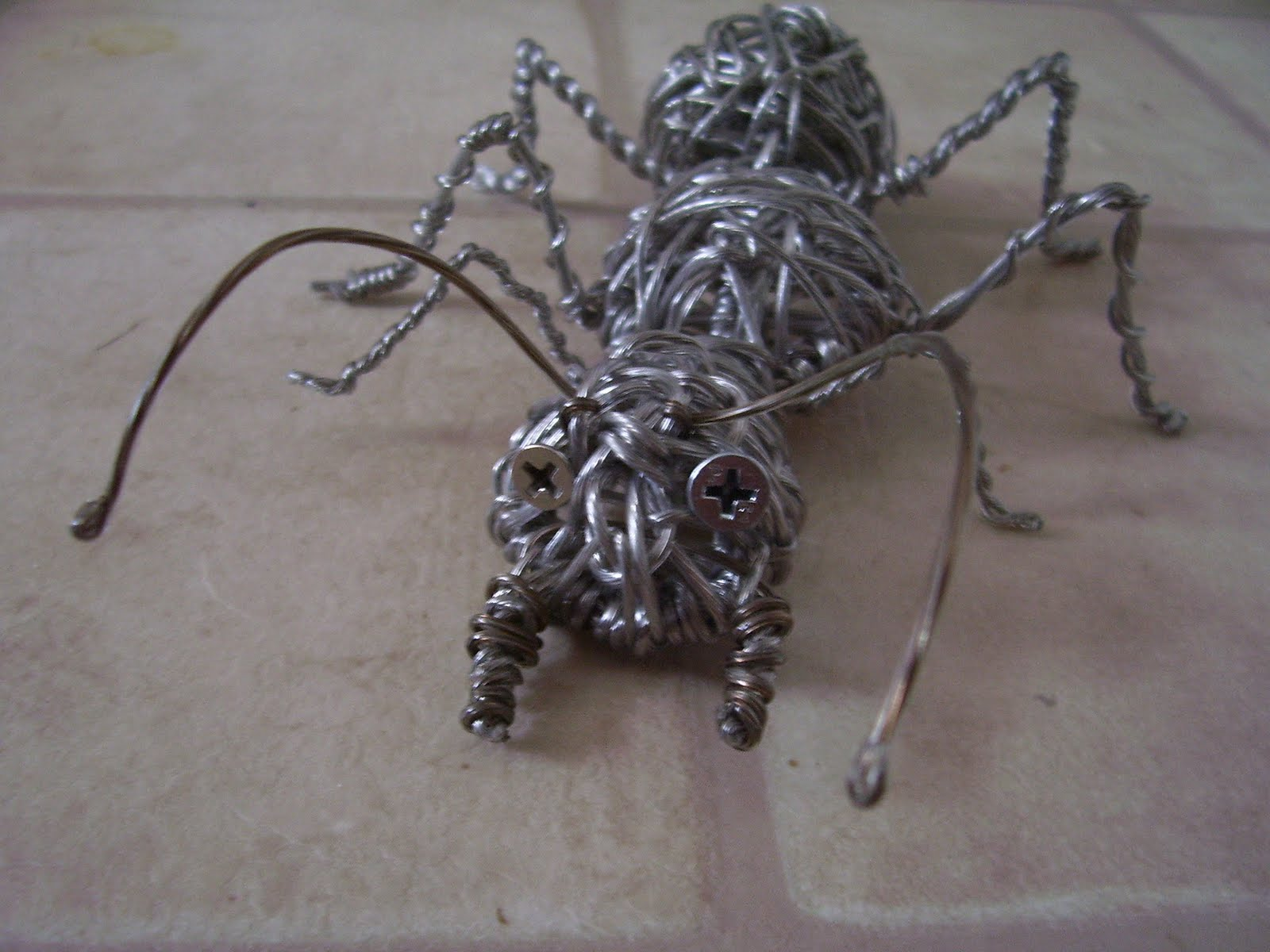Wire Works & other Creative Endeavors: Wire Ant!