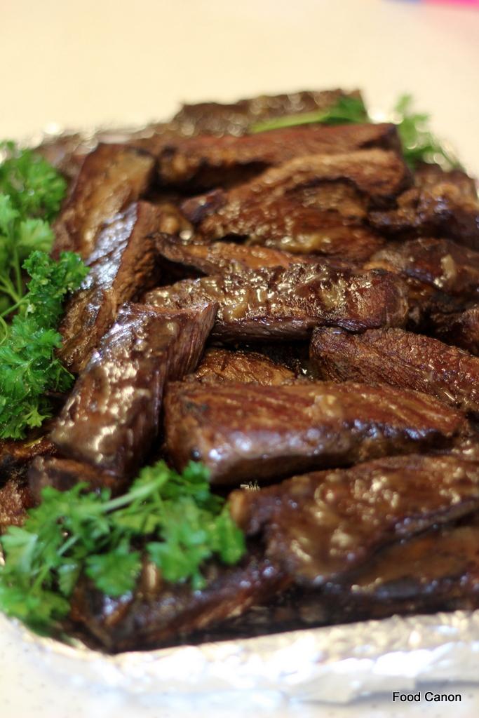 Boneless short rib beef cooked sous vide for 36 hour for Bbq boneless short ribs