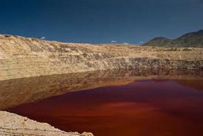 lago-contaminado