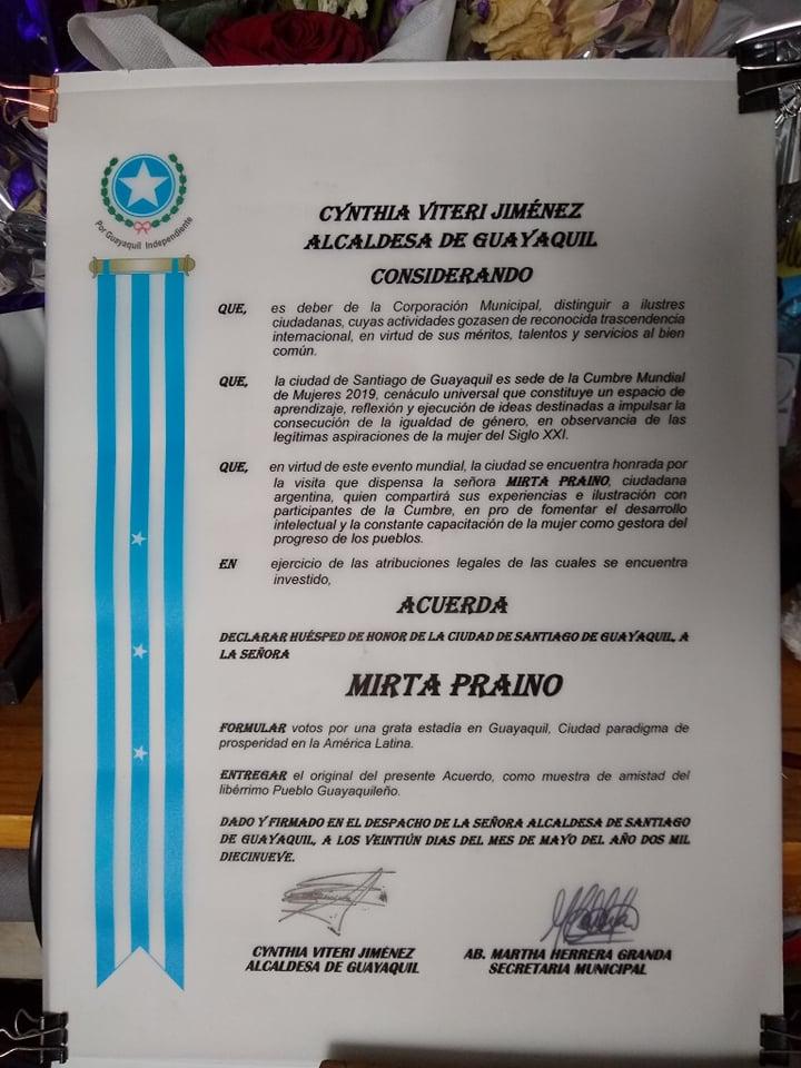 Mirta Praino Declarada Huesped de Honor de la Ciudad de Santiago de Guayaquil  por la Alcaldesa