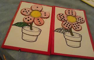 Dois tabuleiros do Jogo das flores para trabalhar número e quantidade