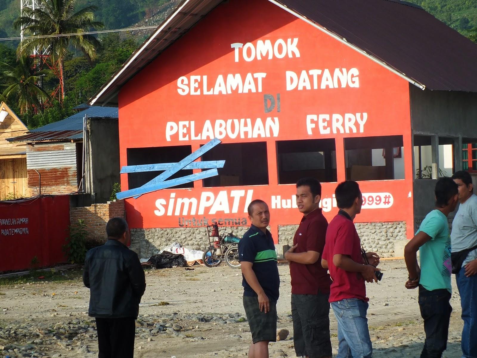 pelabuhan ferry tomok, samosir