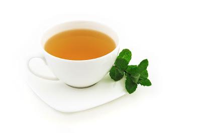 Tee der bei der Gewichtsabnahme hilft
