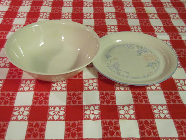 Corelle serving dish and salad plate make another combination for heating in the microwave.