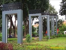 ashim blog, taman kota, taman indah, taman bungkul, tri rismaharani,surabaya