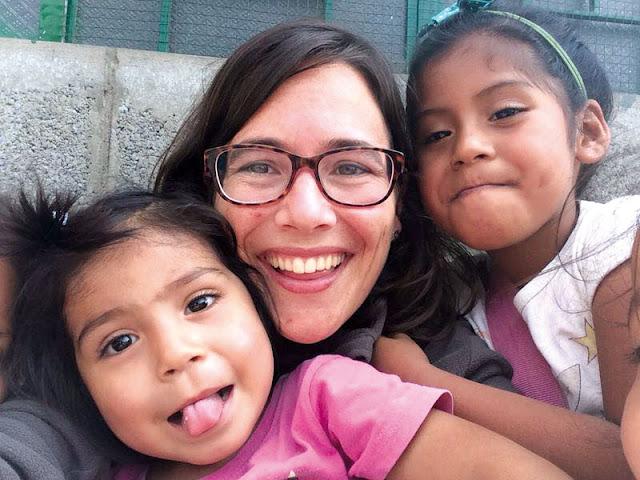 Joven voluntaria que va a vivir una experiencia misionera este verano con misioneros españoles