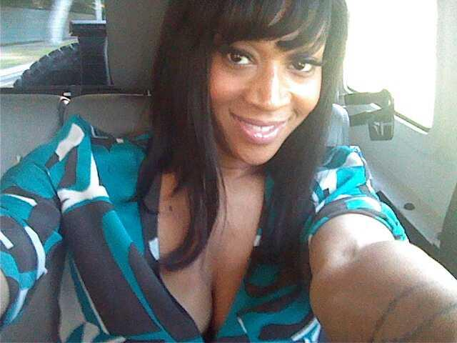 mimi faust in the car