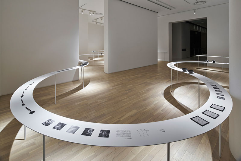 A Winding Table Display For An Exhibition In Tokyo By Nendo