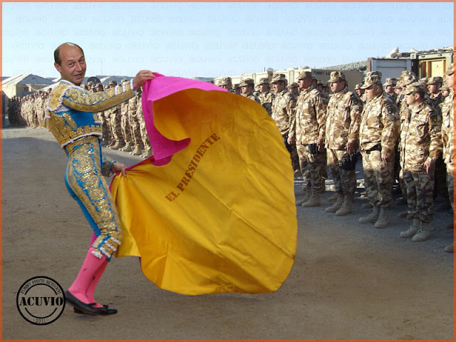 Funny photo Traian Basescu Statutul cadrelor militare