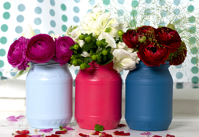 How to transform mason jars into colorful home accessories.