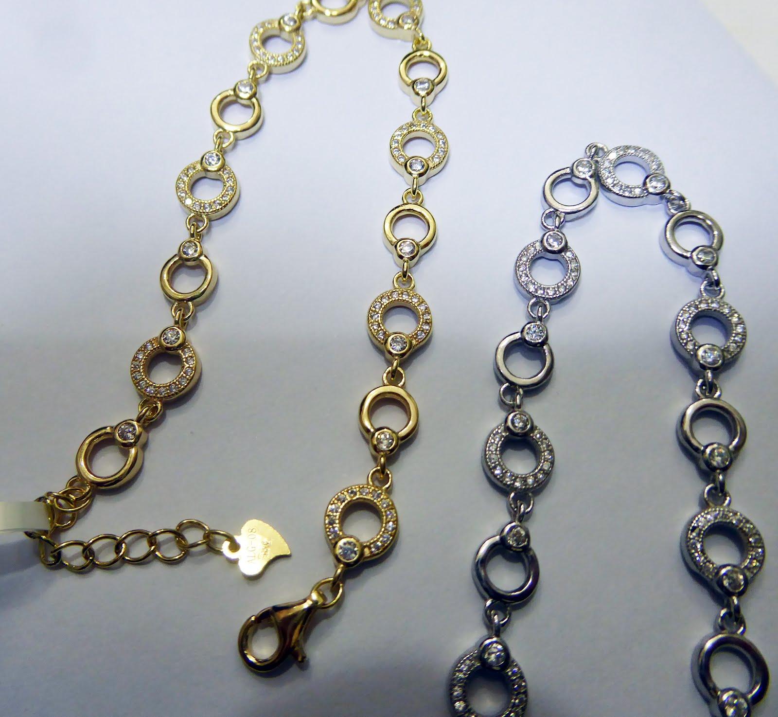 Pulseras de plata dorada y plata blanca