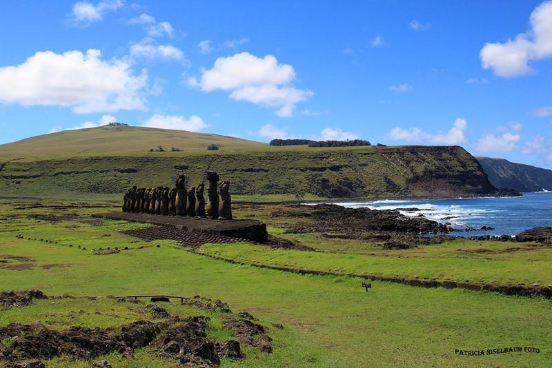Plataforma Ceremonial mas grande de la isla con 15 Moais.