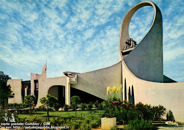 La Grande Motte - l'église Saint Augustin  Architectes: Jean Balladur, Jean-Bernard Tostivint  Projet: 1973  Construction: 1975-1976