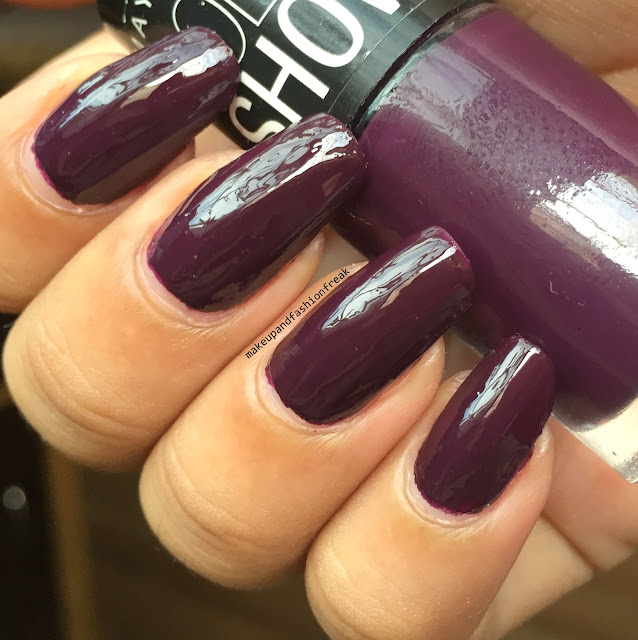 5 Nail Polishes To Try This Fall