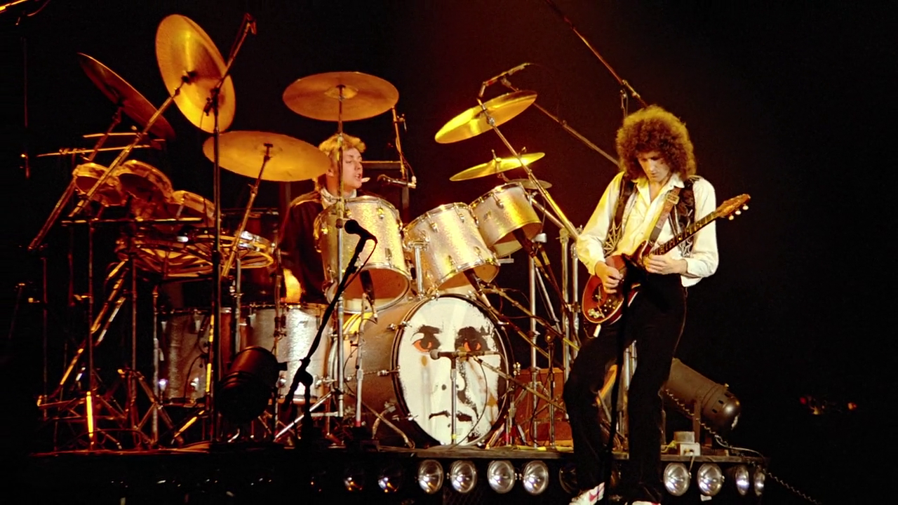 Brian May at live queen concert