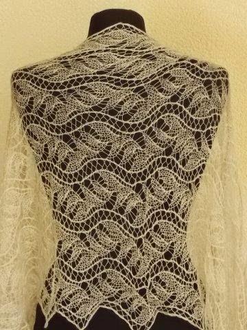 TE KOOP:ragfijne bruidssjaal, merino silk.