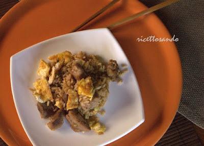 Arroz chaufa riso cinese alla peruviana ricetta etnica a base di riso