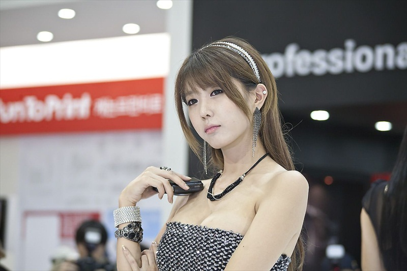 Korean Models – P & I 2012 Part 7