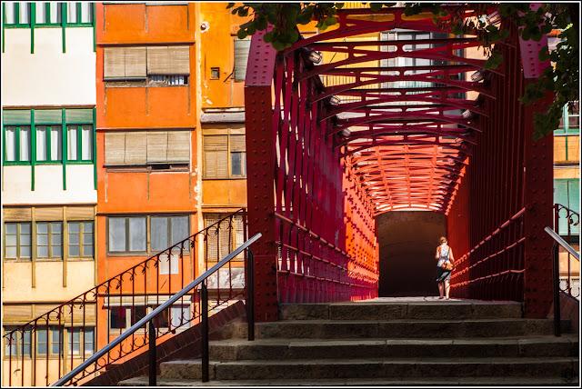 Girona: El Puente Eiffel, también de las Peixateries Velles; o también, simplemente, Puente de Hierro