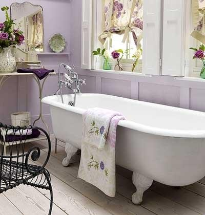 Home decorating in violet color home decorating ideas for Spring bathroom decor