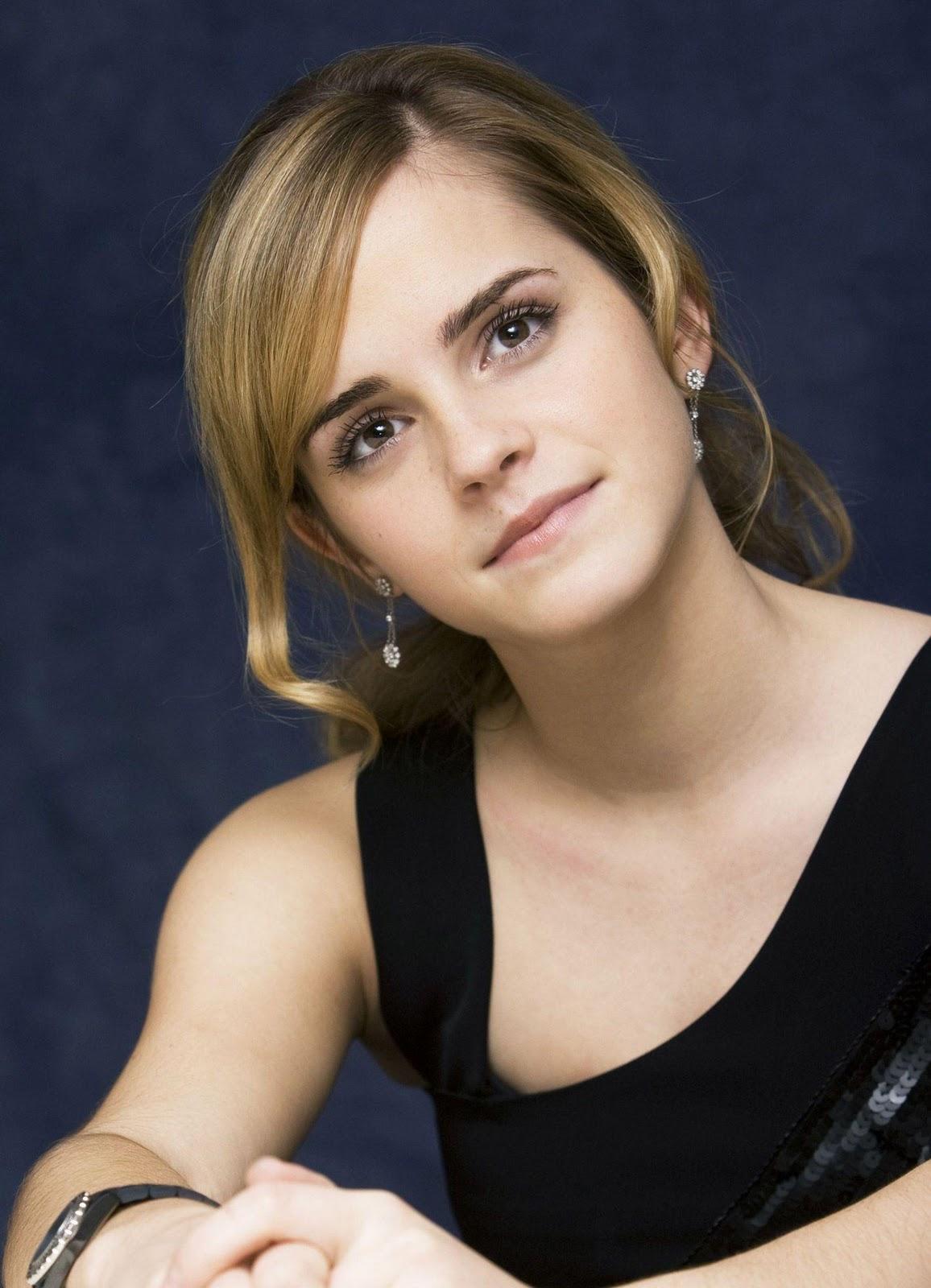 http://2.bp.blogspot.com/-1RI7GmfFJwc/TxQtk6UzDhI/AAAAAAAAAMo/7AUD3IAdtQg/s1600/Emma_Watson.jpg