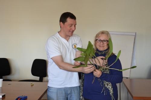 Grupo orquide filo del norte santafesino capacitaci n for Viveros en escobar