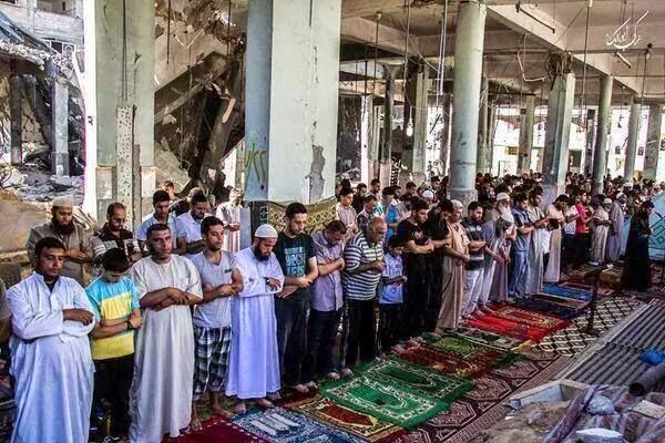 Gambar Rakyat Palestin Solat Jumaat