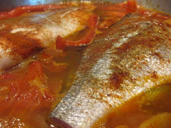 דג דניס ברוטב מרוקאי חריף