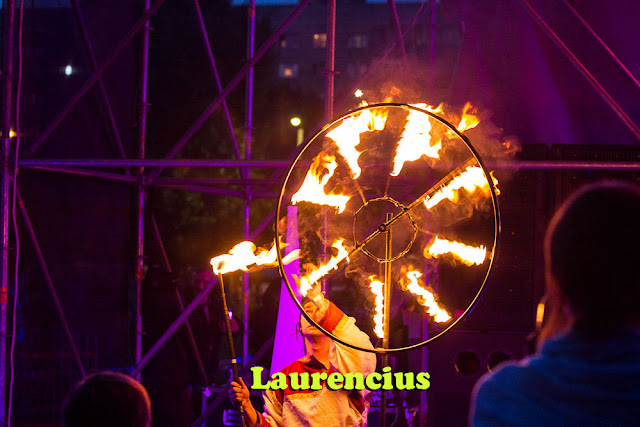 Manusia-Api-Pria-di-Festival-Internasional-2012-Ukraina_14