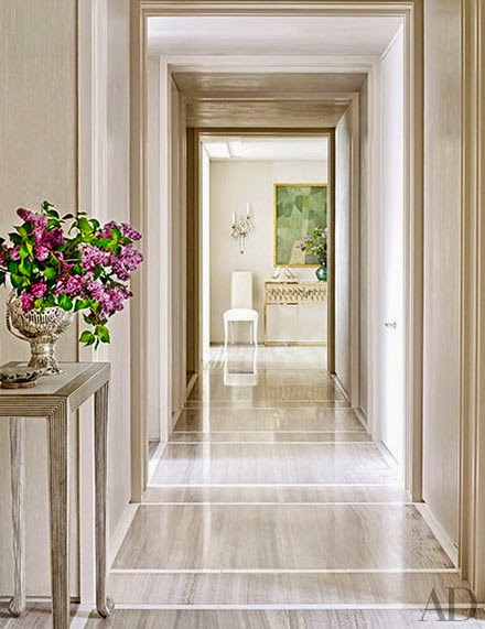 Decor inspiration a luxe apartment in washington d c for Apartment entrance decoration