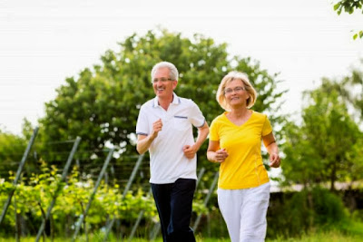Olahraga Cegah Demensia saat Lansia - nationalgeographic
