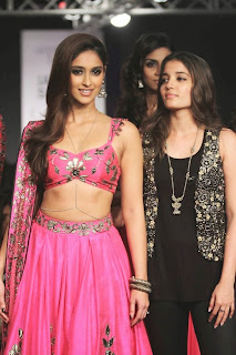 Ileana DCruz Showstopper at LFW 2014 (8).jpg