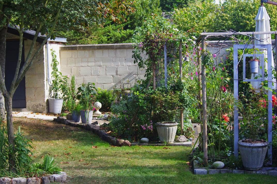 Le jardin des couronnes aujourd 39 hui for Nettoyage jardin 78