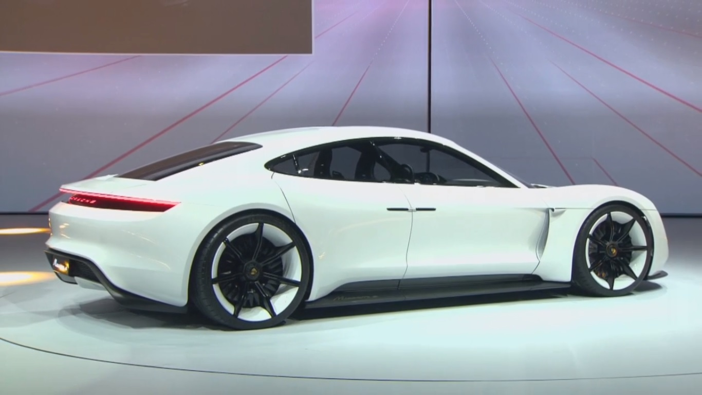 Spectacular All-Electric Porsche Mission E Concept Eyes ...