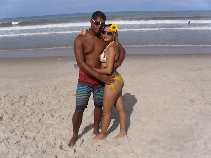 Praia de Guaibim com meu esposo