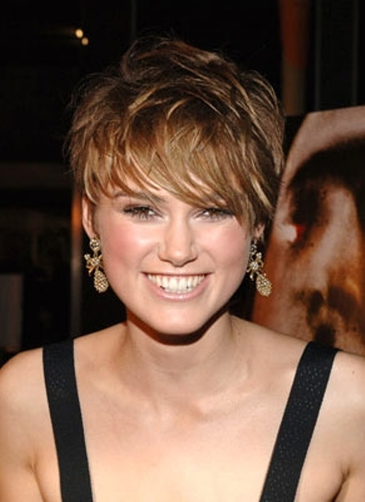short hairstyles for round faces short hairstyles for round faces ...